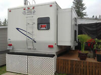 Roulotte 30 pi Trail-Cruiser luxueuse (TC-30BHD) 2007 blanche