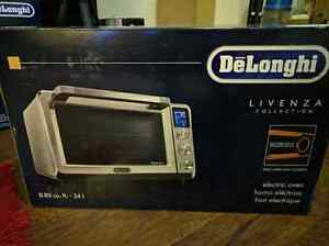 Brand New Delonghi Livenza Countertop Convection Oven