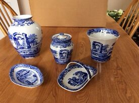 9 pieces of Spode pottery