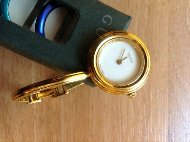 6d377d6099447 LADIES VINTAGE GUCCI 1100L WATCH