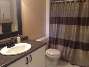 Room for rent in Amherstview home - parking available Kingston Kingston Area image 3