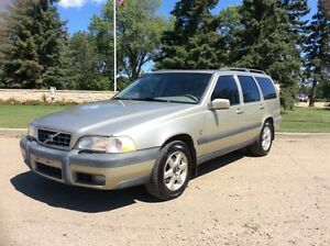 1999 Volvo V70, XC-PKG, AUTO, AWD, LEATHER, ROOF, $3,500