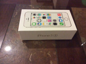 In Brand new shape white iPhone 5s barely used 16gb