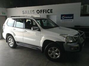 2006 Toyota Landcruiser Prado GRJ120R GXL White 5 Speed Automatic Wagon Bungalow Cairns City Preview