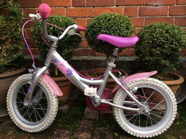Dawes Lottie 14 inch; girls bike with stabilisers, suitable age 3 - 5 RRP £139.99