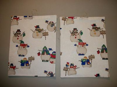 Handmade Christmas wall quilts/hangings--off-white with snowmen, gold glitter ()