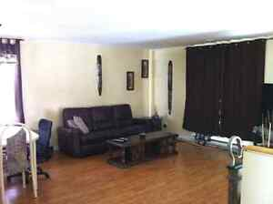 3Bd Side Duplex ONLY $500 Pets Allowed!