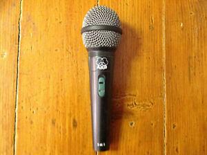 Pluisiers Microphones a vendre