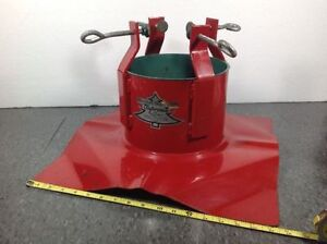Santa's Solution Supreme metal Christmas Tree Stand Cambridge Kitchener Area image 1