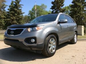 2011 Kia Sorento, EX-PKG, AUTO, AWD, FULLY LOADED!