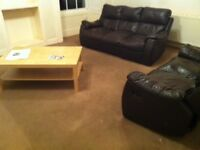 LARGE 3 DOUBLE BED FLAT, lounge, kitchen/dining room & bathroom with shower, gas C/H