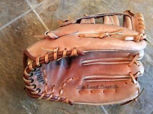 LARGE COOPER BASEBALL GLOVE