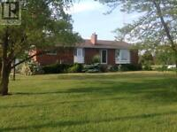4 bed 2 bath Country Property just 10 min from Bright's Grove