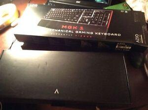 AZIO MGK1 Backlit Mechanical Gaming Keyboard Kingston Kingston Area image 2
