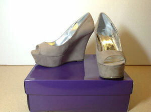 **NEW IN BOX** Madden Girl taupe open toe platform / wedges Cambridge Kitchener Area image 1