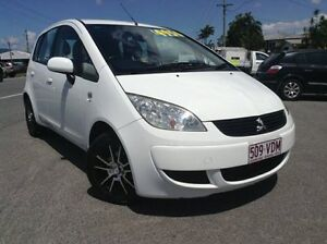 2007 Mitsubishi Colt RG MY07 ES White 5 Speed Manual Hatchback Bungalow Cairns City Preview