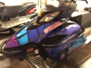 "2014 Yamaha Snowmobile Vector LTX LTX Only 2500Km! 137""""studed t"