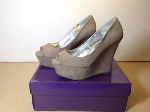 **NEW IN BOX** Madden Girl taupe open toe platform / wedges Cambridge Kitchener Area image 2