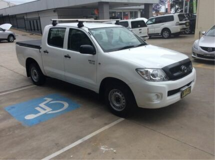 2010 Toyota Hilux GGN15R MY10 SR 4x2 White 5 Speed Automatic Utility East Maitland Maitland Area Preview