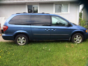07 Dodge Caravan, remote start, DVD player