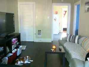May Move in!! Nice Downtown 2 Bedroom apartments Text 7059305735