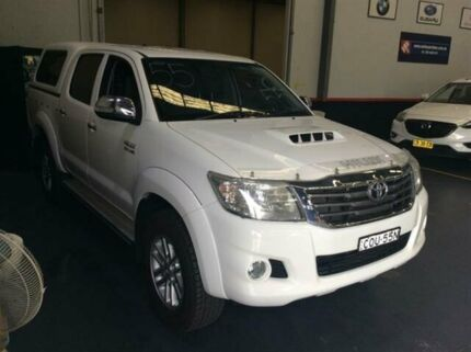 2013 Toyota Hilux KUN26R MY14 SR5 (4x4) White 5 Speed Automatic Dual Cab Pick-up Cardiff Lake Macquarie Area Preview