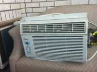 MIDEA WINDOW AIR CONDITIONING UNIT FOR SALE!