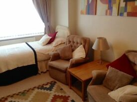 Double size furnished bed sit