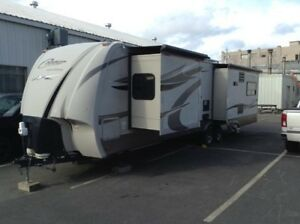 2011 Cougar32FT HIGH COUNTRY TRAILER! $10,000 in ACCESSORIES!