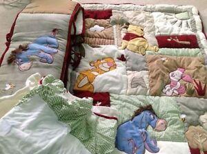 Mint condition cotton crib bedding set