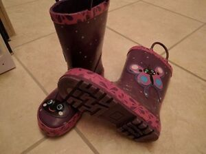 Size 10T rubber boots