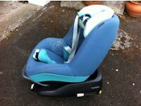 Maxi Cosi Car Seat and Isofix Family Fix Base