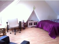DOUBLE ROOM FOR RENT AVAILABLE IN OSTERLEY