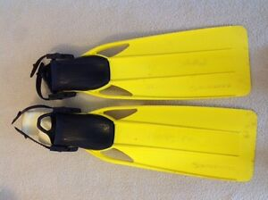 Sherwood adjustable scuba fins