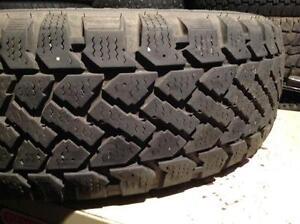 1 pneus d'hiver 195/65 r15 snowtrakker radial st-2.  55$