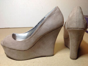 **NEW IN BOX** Madden Girl taupe open toe platform / wedges Cambridge Kitchener Area image 6