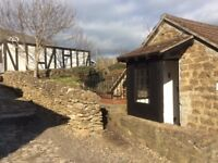 Rural quaint 2 bedroom house to rent, with parking, near Bridport