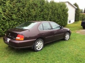 1999 Nissan Altima Berline
