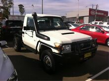 2010 Toyota Landcruiser VDJ79R MY10 Workmate White 5 Speed Manual Cab Chassis Cardiff Lake Macquarie Area Preview