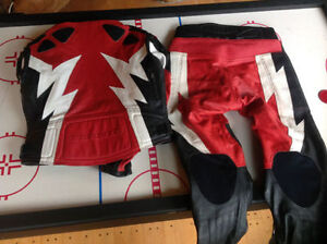 TEKNIC LEATHER MOTORCYCLE HIGH PERFORMANCE JACKET AND PANTS