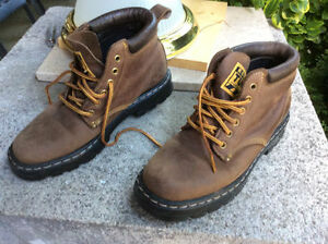 Tuff Boats- Roots- Womens- Size 8