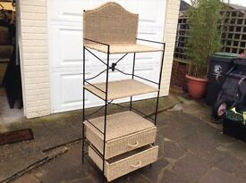 LOVELY STORAGE UNIT............ONLY £25