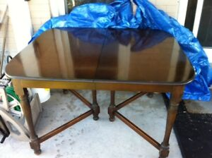 Antique Solid Mahogany Dining Room/Kitchen Table