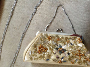 BNWT Gorgeous beaded Gold Purses(x5) perfect bridal party gifts Strathcona County Edmonton Area image 1