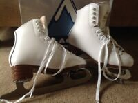 Glacier by Jackson Mystique Figure Skates - White, worn once, size 4C (UK ladies 1.5/2)