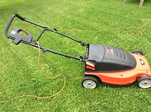 BLACK AND DECKER ELECTRIC MOWER LAWN HOG