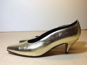 Town Shoes brand metallic leather heels - size 8.5 Cambridge Kitchener Area image 9