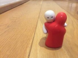 1980's pair of red & white Salt & Pepper Shakers. Great condition!