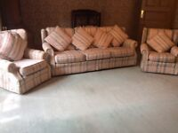 3 piece suite sofa 2 chairs top quality Damask