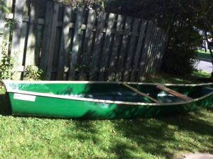 Marquette 15 square stern fibreglass canoe with motor & peddles
